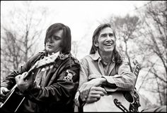 'Goodbye to all my friends It's time to go again Think of all the poetry And the pickin' down the line' Townes Van Zandt Photo with Steve Earle Country Singers, Country Music, Dana Carvey, Townes Van Zandt, Steve Earle, Texas Music, Americana Music, Outlaw Country, Robert Johnson