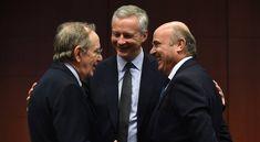 Luis de Guindos unto a los ministros de economía de Francia, Bruno Le Maire y de Italia, Pier Carlo Padoan durante un encuentro del Eurogrupo.