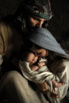 The Holy Family ~ Nativity of Jesus Christmas Nativity, Christmas Love, Winter Christmas, Merry Christmas, Christmas Jesus, Christmas Decor, Luke 2, Jesus Pictures, Holy Family