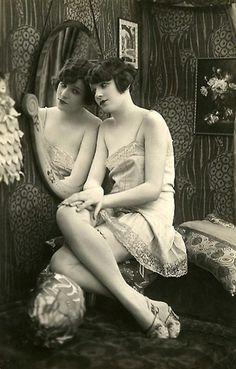 christinerod: vintage boudoir portrait