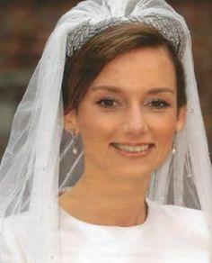 Princess Aimée of Orange-Nassau, van Vollenhoven-Söhngen, in the Dutch ears of wheat tiara. Royal Tiaras, Tiaras And Crowns, Royal Crowns, Royal Brides, Royal Weddings, Queen Wilhelmina, Queen And Prince Phillip, Royal Marriage, Wedding Tiaras