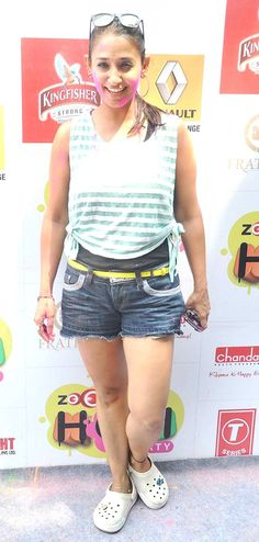 Shruti Ulfat at Zoom Holi Party 2014 Bollywood Fashion, Bollywood Actress, Holi Party, Celebs, Celebrities, Beautiful Indian Actress, Latest Pics, Anklet, Celebrity