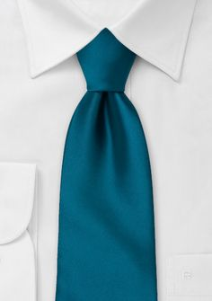 XL Mens Tie in Dark Teal-Blue - Necktie maker Puccini created this dark teal-blue tie in longer length for taller men. If you are above 6 foot 3 inches then our XL ties will be the good choice - espec Teal Blue Color, Bleu Turquoise, Blue Color Schemes, Color Combos, Teal Tie, Blue Ties, Blue Bow, Dark Blue Tie, Navy Blue