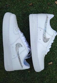 official photos 77a2c aeb5a Bling Customised Crystal Nike Air Force One Sizes 3 - 5.5 from CrystalMess  Nike Gratis Sko