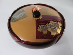 Chinese Antique Decorative Lacquered Wooden Bowls of Dark Wood Tone and Lid Chinese Bowls, Mirror Glaze Cake, Black Clay, Wooden Bowls, Chinese Antiques, Culinary Arts, Dark Wood, Serving Bowls, Porcelain