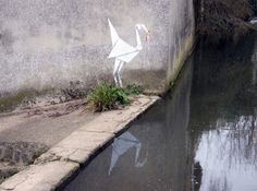 New Origami Graffiti Art Might Be a Banksy Original! Banksy Graffiti, Street Art Graffiti, Bansky, Banksy Artwork, Urban Street Art, Urban Art, London Calling, Art Et Nature, Saatchi Gallery