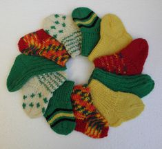Vauvansukkia sairaalaan | Simpsukka Olympus Digital Camera, Fingerless Gloves, Arm Warmers, Dinosaur Stuffed Animal, Barn, Knitting, Crochet, Crafts, Handmade