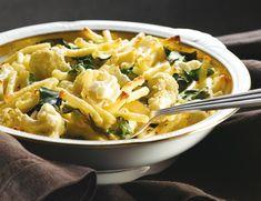 מאפה פסטה עם כרובית, כרישה ומנגולד Pasta Pie, Pasta Noodles, Thai Red Curry, Macaroni And Cheese, Breakfast, Ethnic Recipes, Food, Rice, Macaroni