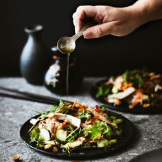 Kana-nuudelisalaatti   Maku Kung Pao Chicken, Eating Well, Chili, Healthy Lifestyle, Baking, Vegetables, Ethnic Recipes, Food, Drinks
