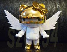2011 SANRIO HELLO KITTY GOLD ROBOT KI-BETA SRI FIGURE WING TOYS