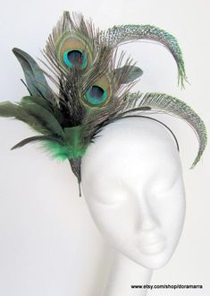 Jazz Age Lawn Party Peacock feather fascinator by doramarra 1920s Headpiece, Feather Headpiece, Fascinator Headband, Peacock Costume, Flapper Costume, Peacock Tutu, Kentucky Derby, Pfau Make-up, Sombreros Fascinator