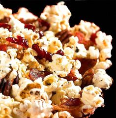 Maple Bacon Popcorn - Made it for the Canada vs. Sweden Gold Medal game in Sochi, huge hit with the crowd! Bacon Popcorn, Popcorn Recipes, Pop Popcorn, Bacon Fest, My Favorite Food, Favorite Recipes, Pork Bacon, Maple Bacon, Party Food And Drinks