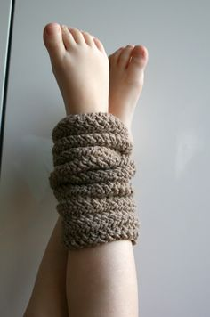Crochet Leg warmers pattern FREE!! sing up for the newsletter and get it for free!!!