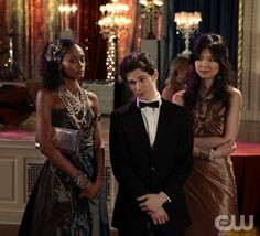 """""""The Wrong Goodbye"""" -- Pictured (L-R) Nicole Fiscella as Isabel, Connor Paolo as Eric Van Der Woodsen and Nan Zhang stars as Kati on Gossip Girl on The CW. Photo Credit: Giovanni Rufino/ THE CW 2011 The CW Network, LLC. All Rights Reserved"""