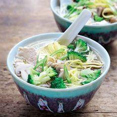 Recept - Oosterse soep met champignons en broccoli - Allerhande