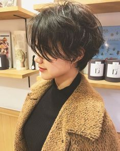 HAIR (hair) is a hair style that stylist models send out . HAIR (hair) is a hair style that stylist models send out . Girl Short Hair, Short Hair Cuts, Back Of Short Hair, Short Hair Model, Shot Hair Styles, Curly Hair Styles, Hairstyles Haircuts, Cool Hairstyles, Pixie Haircuts