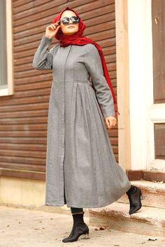 Iranian Women Fashion, Pakistani Fashion Casual, Abaya Fashion, Muslim Fashion, Grey Fashion, Fashion Outfits, Hijab Style Dress, Hijab Outfit, Hijab Chic