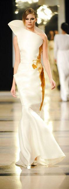 inspireansley:Stéphane Rolland 2011 Haute Couture Paris via: