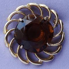 Vintage Large Amber Glass Stone Catherine Wheel Brooch