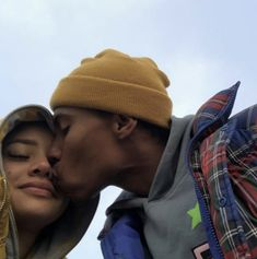 :) stop I'm blushing Photo Couple, Love Couple, Couple Goals, Black Couples Goals, Cute Couples Goals, Wanting A Boyfriend, Boyfriend Goals, Boyfriend Girlfriend, Relationship Goals Pictures