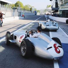 Heading out for a few laps with the absolute legend Sir Stirling Moss in these beautiful classic #SilverArrows #Epic #Legendary by lewishamilton