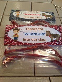 meet the teacher ideas Meet the Teacher Western Wranglin Treat Meet the Teacher Western Wranglin Treat Preschool Classroom, Classroom Themes, Preschool Crafts, Kindergarten, Vbs Themes, School Themes, School Ideas, Cowboy Theme, Western Theme