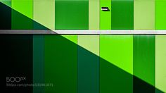 Entropía Disonante 5.2 - Pinned by Mak Khalaf Abstract colordiagonalgeometricsgeometrygreenlightsminimalismpatternpatternsshadow by Cesar_Bazkez