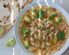 White Bean Tomatillo Soup Makes 4 servings 207 Calories per serving