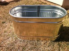How To Build A Raised Bed in a Metal Trough Whether you call it a stock tank, a galvanized metal container, or a cattle trough (being from Texas, I prefer the latter), one thing's for sure: these metal bins make for perfect and visually interesting raised Galvanized Water Trough, Metal Trough, Galvanized Planters, Trough Planters, Galvanized Metal, Galvanized Stock Tank, Cattle Trough, Horse Trough, Raised Beds Bedroom