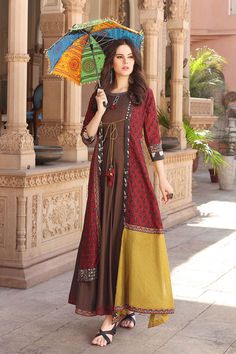 Fashion Hacks Scarf Muslin and chanderi mix kurti with jacket and superb detailing. Pakistani Dresses, Indian Dresses, Indian Outfits, Frock Fashion, Fashion Dresses, Fashion Fashion, Womens Fashion, Fashion Jewelry, Ethnic Fashion
