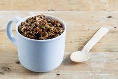 Granola ai fichi, mix semi e melassa