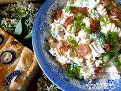Bacon, Salad, Ethnic Recipes, Food, Essen, Salads, Meals, Lettuce, Yemek