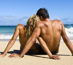 Top 10 Hawaii Activities for Your Honeymoon or Anniversary. (Hawaii is definitely going on the maybe list for honeymoon spots). Photo Couple, Love Couple, Couple Photos, Couple Beach Pictures, Beach Pics, Beach Shoot, Perfect Couple, Beautiful Couple, Beach Photography