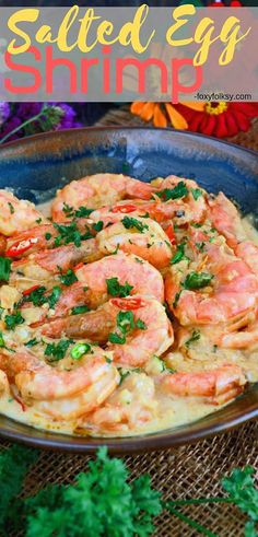 4 Points About Vintage And Standard Elizabethan Cooking Recipes! Sink Your Teeth In Some Plump, Juicy, Sweet Shrimp Cooked In Spicy Creamy, Rich, And Savory Salted Egg Sauce. Egg Recipes, Shrimp Recipes, Fish Recipes, Asian Recipes, Dinner Recipes, Ethnic Recipes, Best Low Carb Recipes, Healthy Recipes, Steamed Pork Buns