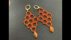 Honeycomb Earrings || DIY Beaded Earrings || Beaded Honeycomb Bead Jewellery, Seed Bead Jewelry, Seed Bead Earrings, Diy Earrings, Seed Bead Patterns, Beaded Jewelry Patterns, Beading Patterns, Stitch Patterns, Diy Beaded Earrings Tutorial