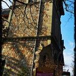 06.02.2014 : La vie de château… Après la vue de mon bureau au Safari de Peaugres, voici le château qui l'abrite. De là à dire que je mène la vie de château..., il n'y a qu'un pas que je franchis aisément.