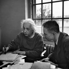 Albert Einstein in discussion with Robert Oppenheimer at the Institute for Advanced Study, Princeton, by Alfred Eisenstaedt, November 1947 Robert Oppenheimer, Albert Einstein Photo, Institute For Advanced Study, Nobel Prize In Physics, Philosophy Of Science, Modern Physics, Theoretical Physics, Theory Of Relativity, E Mc2