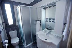 Bathroom in Villa Thalia, Karavados Kefalonia - http://www.korallisvillas.gr