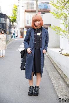 Harajuku Girl w/ Trench Coat, Egg Necklace, Yosuke Platform Heels & Jouetie (Tokyo Fashion News) Japanese Street Fashion, Tokyo Fashion, Harajuku Fashion, Fashion Wear, Korean Fashion, Fashion Outfits, Fashion 2015, Tokyo Street Style, Street Style Women