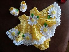 Crochet baby dress set with daisies  :) by BabyBeautiful801 on Etsy https://www.etsy.com/listing/176141655/crochet-baby-dress-set-with-daisies