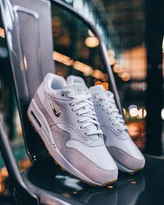 hypefeet: Nike Air Max 90 Premium