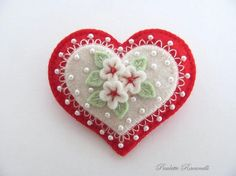 felted heart pin