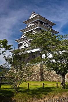 The Japanese build the most beautiful castles in the world...  Ōzu Castle #japan #ehime