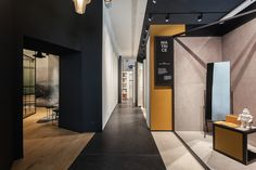 Image 2 of 18 from gallery of pointONE showroom / Suto Interior Architects. Photograph by Balázs Danyi