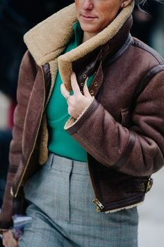 Street style during Paris Fashion Week on Thursday, March in Paris, France. Photo by Adam Katz Sinding for W Magazine. Star Fashion, Paris Fashion, Winter Fashion, Street Fashion, Fashion Women, Women's Fashion, Best Street Style, Street Chic, Paris Outfits