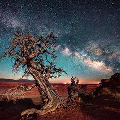 provocative-planet-pics-please:  #space #universe #cosmos #galaxy #stars #sun #moon #earth #astronomy #astronaut #nightsky #planets #supernova #nebula #hubble #nasa #beautiful #amazing #photooftheday #peace #indigochildren #love #friends #nature #science #instamood #instadaily #instalike #instagood #landscape by spacefeed http://instagram.com/p/p1EDBRBKBU/