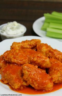 A healthier alternative to fried Buffalo Wings. One bite and you will fall in love with these Baked Boneless Buffalo Wings! Perfect for game days, parties etc. Boneless Chicken Wings, Baked Chicken Wings, Chicken Wing Recipes, Baked Boneless Buffalo Wings Recipe, Chicken Sauce, Thai Chicken, Chicken Legs, Roast Chicken, Kitchen