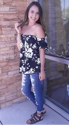 Picture of B&W floral off the shoulder Top (black-white)