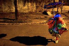 Carnival 2013 - The Big Picture - Boston.com Carnaval de rua, Bate bola, Clóvis, Carnaval Secreto, Brasil, Fantasias, Máscaras, Rio de Janeiro, RJ, Cultura Brasileira, Tradição, Tradicional, Brazilian Culture, Secret Carnival, Fogos, Saída da turma