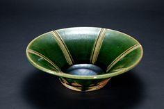 織部刻文反鉢 Bowl with engraved, Oribe type 2012 Serving Bowls, Decorative Bowls, Pottery, Type, Tableware, Home Decor, Ceramica, Dinnerware, Dishes